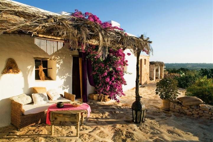 Encontrar el mejor alojamiento en formentera for Dormir en formentera